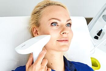 Kollerbeauty Behandlung, Faltenbehandlung Laser Linz