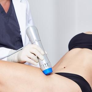 Cellulite Vorbeugung Linz durch Anti Cellulite Stoßwellentherapie. Behandelt und beugt Orangenhaut und Cellulite effektiv vor. Zur Stärkung des Bindegewebes