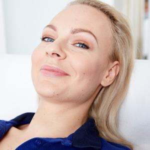 Aknenarben behandeln in Linz. Effektiv Aknenarben behandeln. Aknenarben mittels Lasertherapie, PRP & Microneedling behandeln. gegen Akne behandeln