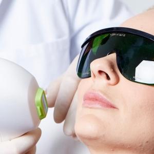 IPL Haarentfernung in Linz. Dauerhafte Haarentfernung mit IPL Laser Technologie. Körperhaare dauerhaft entfernen. Medizinische IPL Laser Behandlung Linz